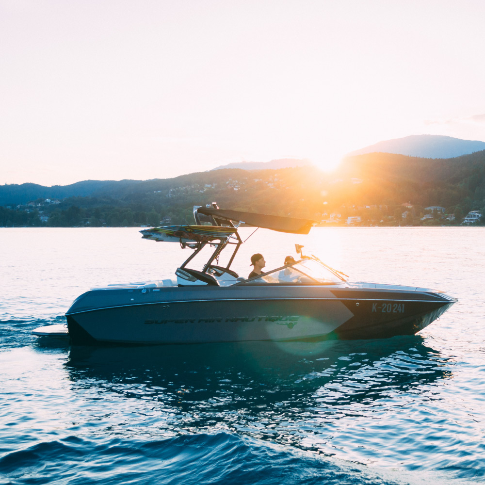 assets & equipment tracking of boats